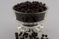 Juniper Berries Whole *